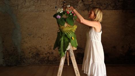 flower dressing